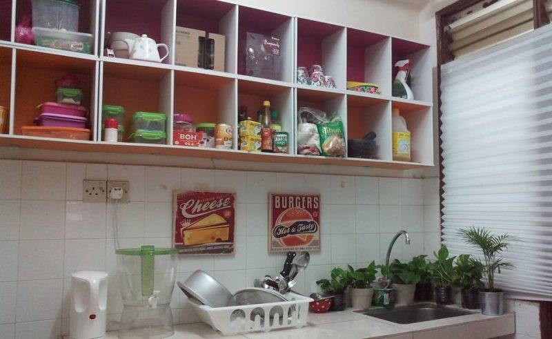 Rak Buku Untuk Lengkapkan Kabinet Dapur