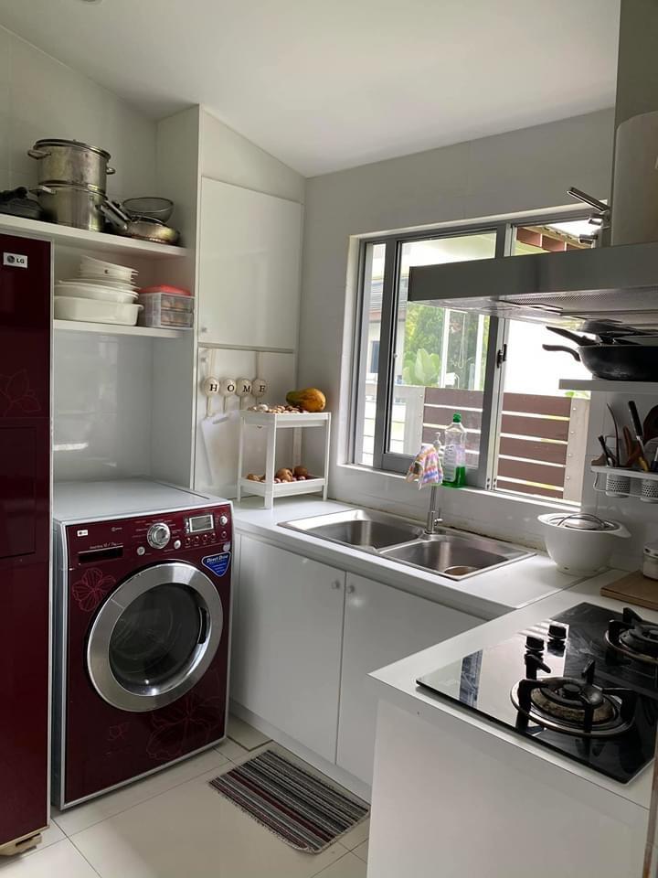Kemas Susun Atur Dan Penstoran Praktikal Inspirasi Ruang Dapur Kecil Wanita Ini Keluarga