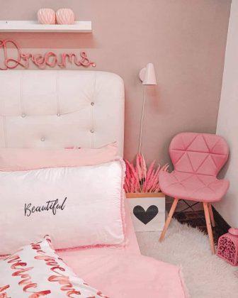wanita ni dekor rumah cara bajet dengan bertemakan pink